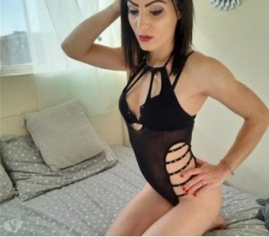 Manouchka luxus escort in Hallstadt